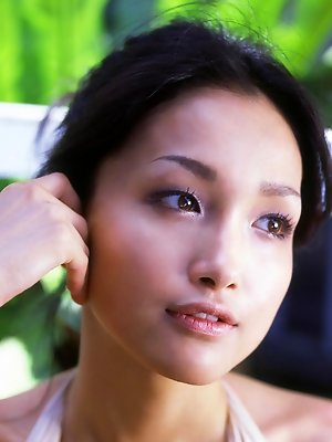 Reon Kadena Asian with big knockers enjoys outdoor shower a lot